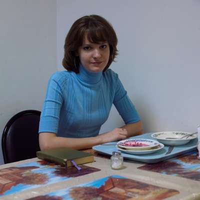 Dasha Zhdanova, producer, at lunch