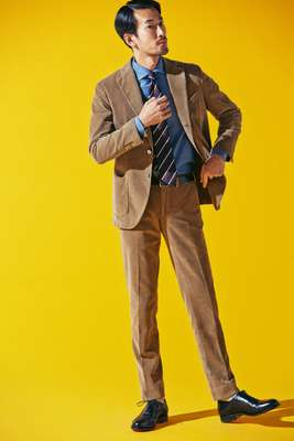 Suit by Santaniello, shirt by Errico Formicola from United Arrows, tie by Stefano Bigi, socks by Beams, shoes by Santoni, belt by Sunspel