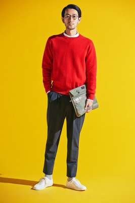Jumper by Sloane from United Arrows, shirt by Steven Alan, trousers by Nonnative from Vendor, socks by Beams, trainers by Erik Schedin, glasses by Oliver Peoples,  bag by Briefing