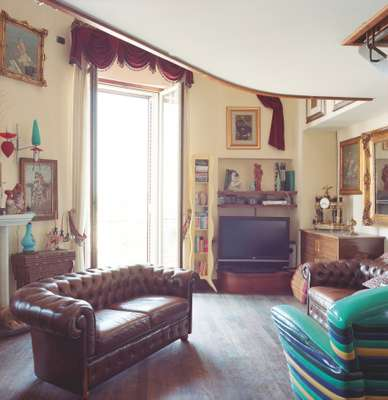 Inside a typical Vomero residence