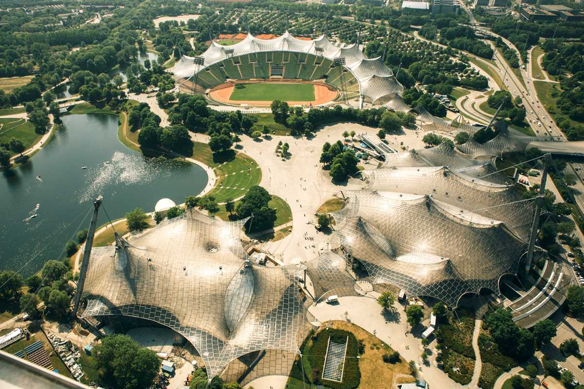 Birdseye view of Frei Otto's spidery roofs