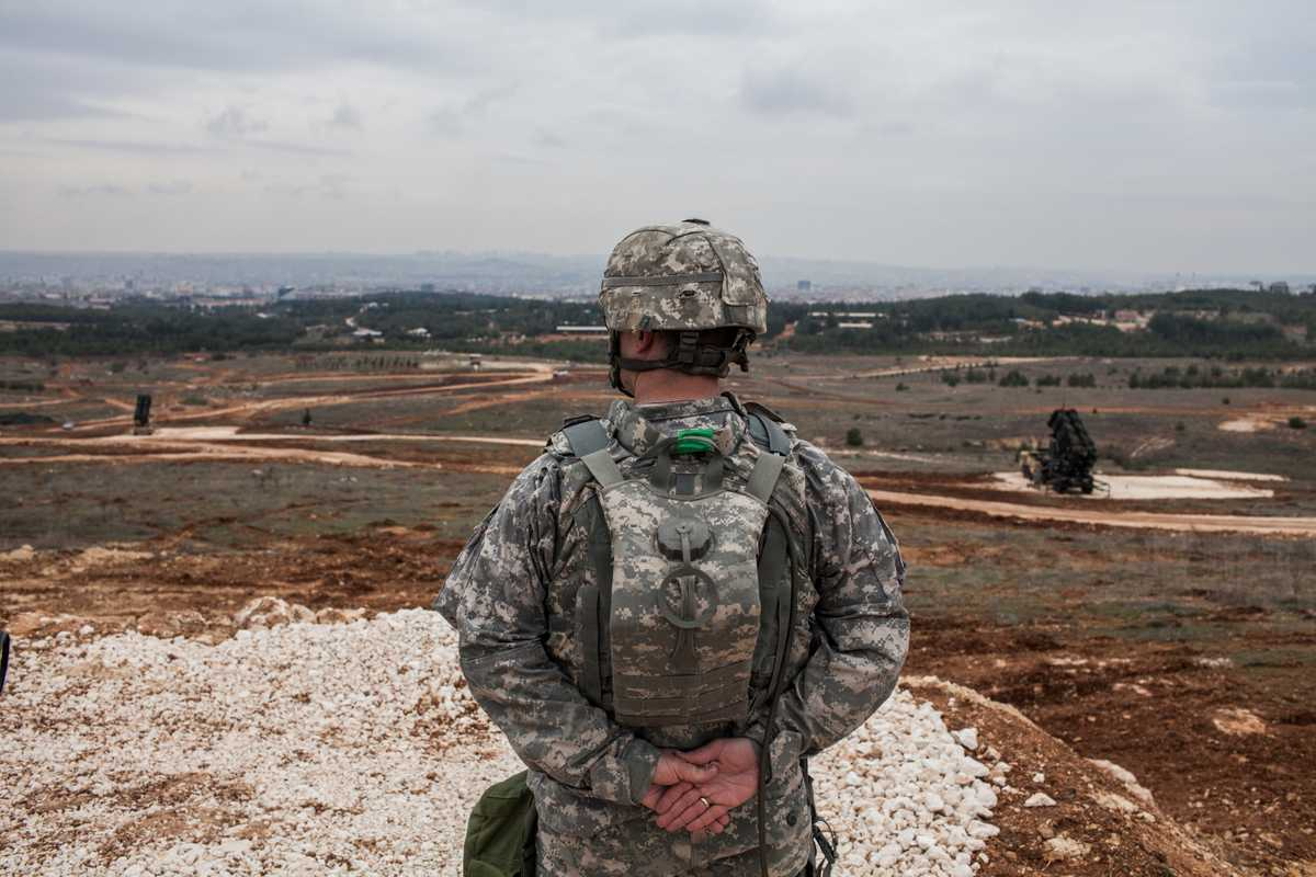 An American colonel from the Air Defence Regiment looks out over Gaziantep