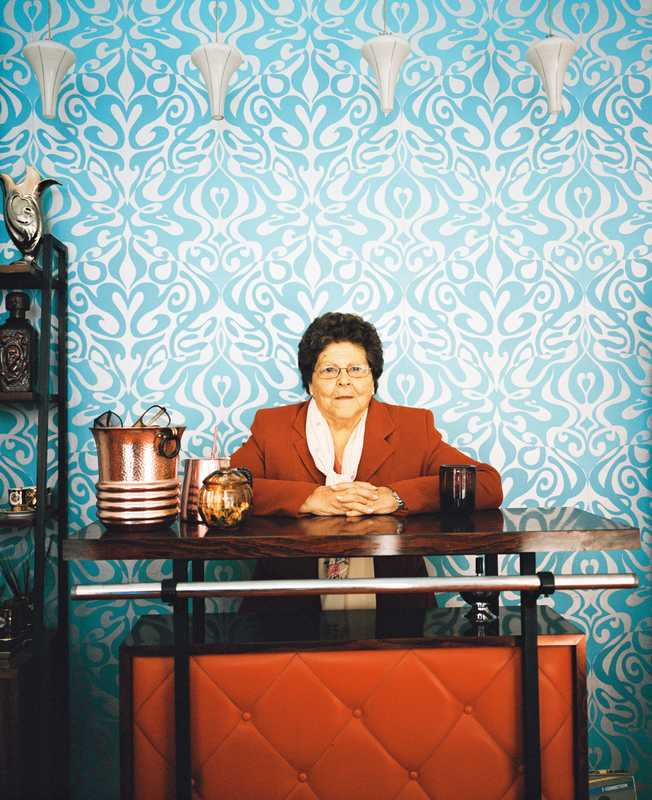 Mother of Arsenio Rodríguez Sánchez, who owns the Arsenico store