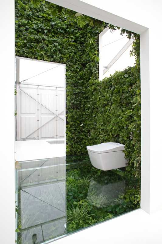 Call of Nature: Naruse Inokuma Architects, Toto and YKK AP merged toilets and nature