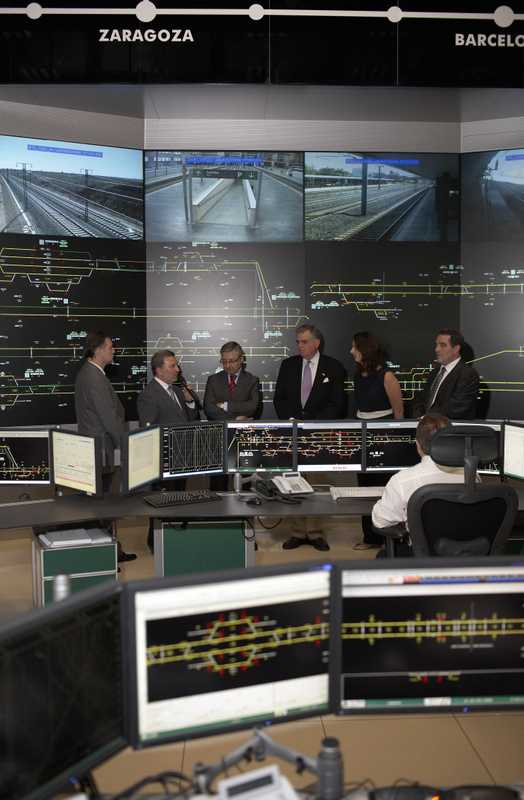 Briefing at Zaragoza's state-of-the-art rail-command centre