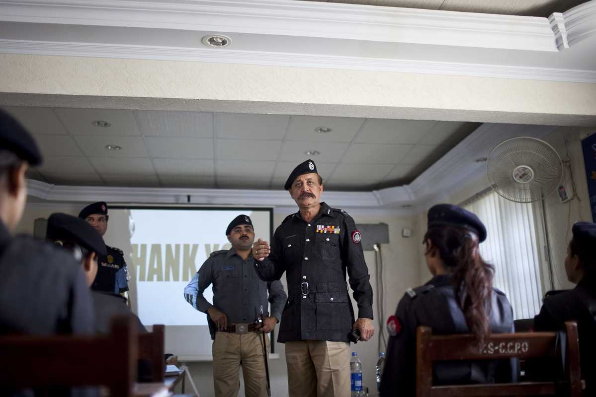 Ahmed training female police