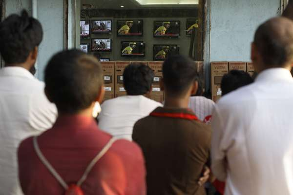 TV shop on Marine Drive provides the cheap seats foran IPL match