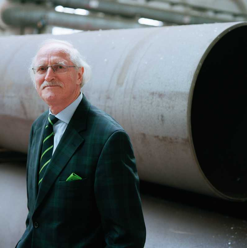 Stein in front of cargo tube