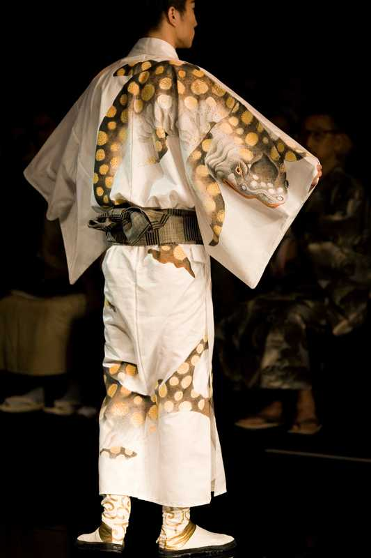 Cotton-silk crocodile patterned yukata for UA