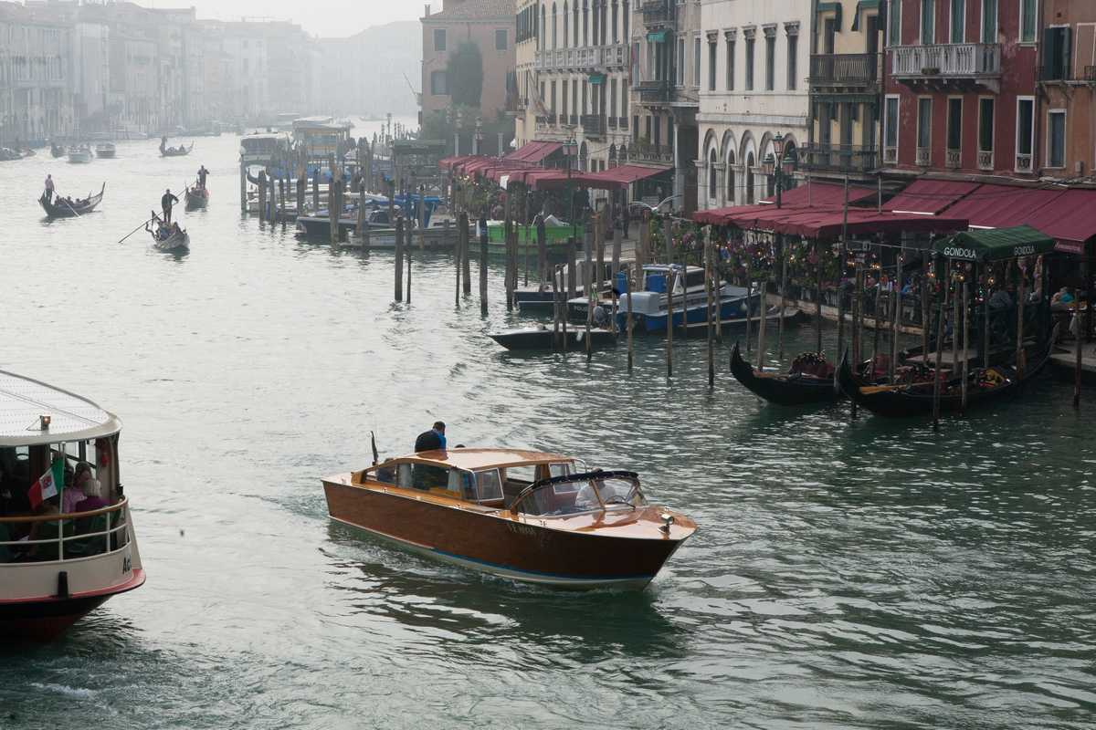 Water taxi, Venice