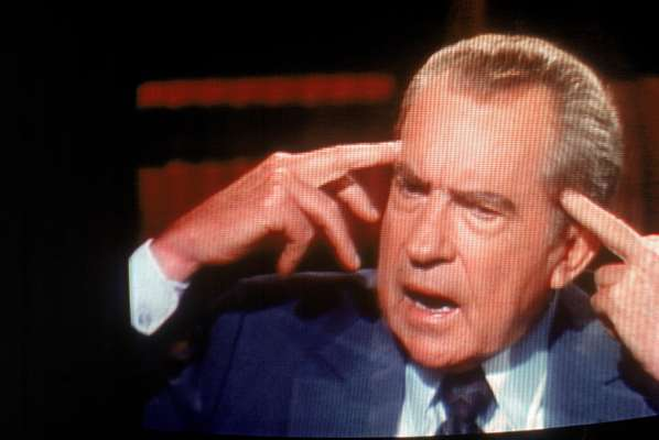 Nixon gets the David Frost treatment, 1977