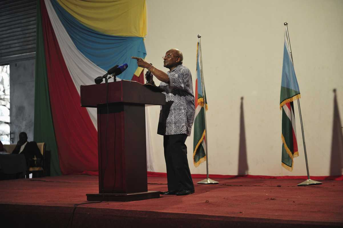 Archbishop Desmond Tutu makes a powerful speech at the Nyakuron Cultural Centre in Juba