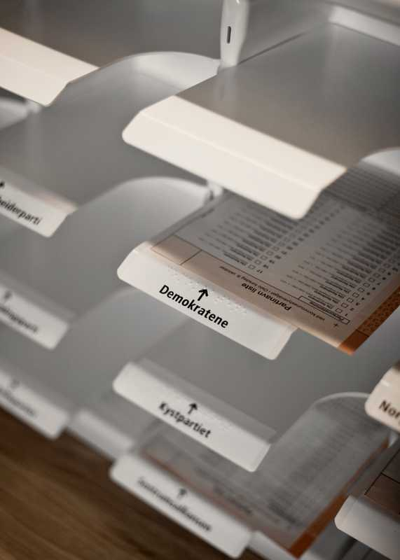 Removable trays with Braille hold ballot papers