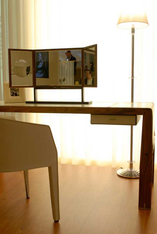 Giorgetti 'Eos' desk and 'Ara' mirror by Chi Wing Lo