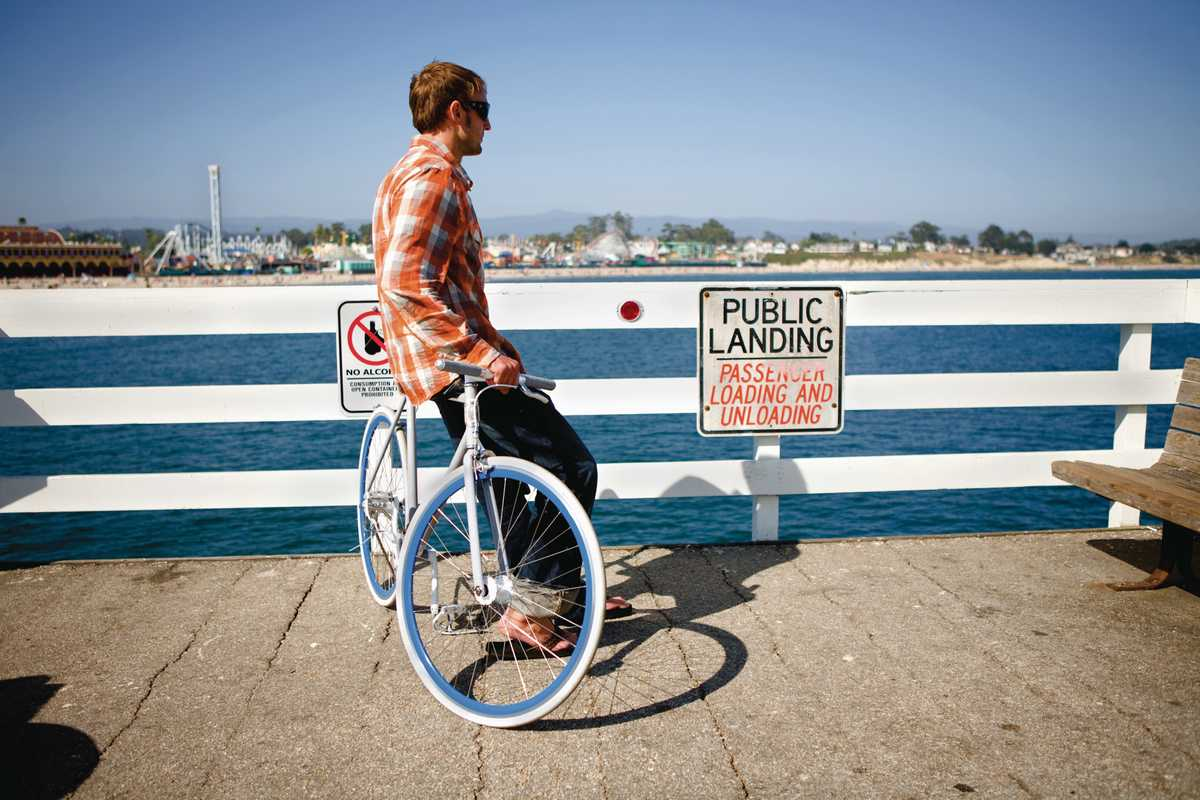 The Roll bike on Santa Cruz pier