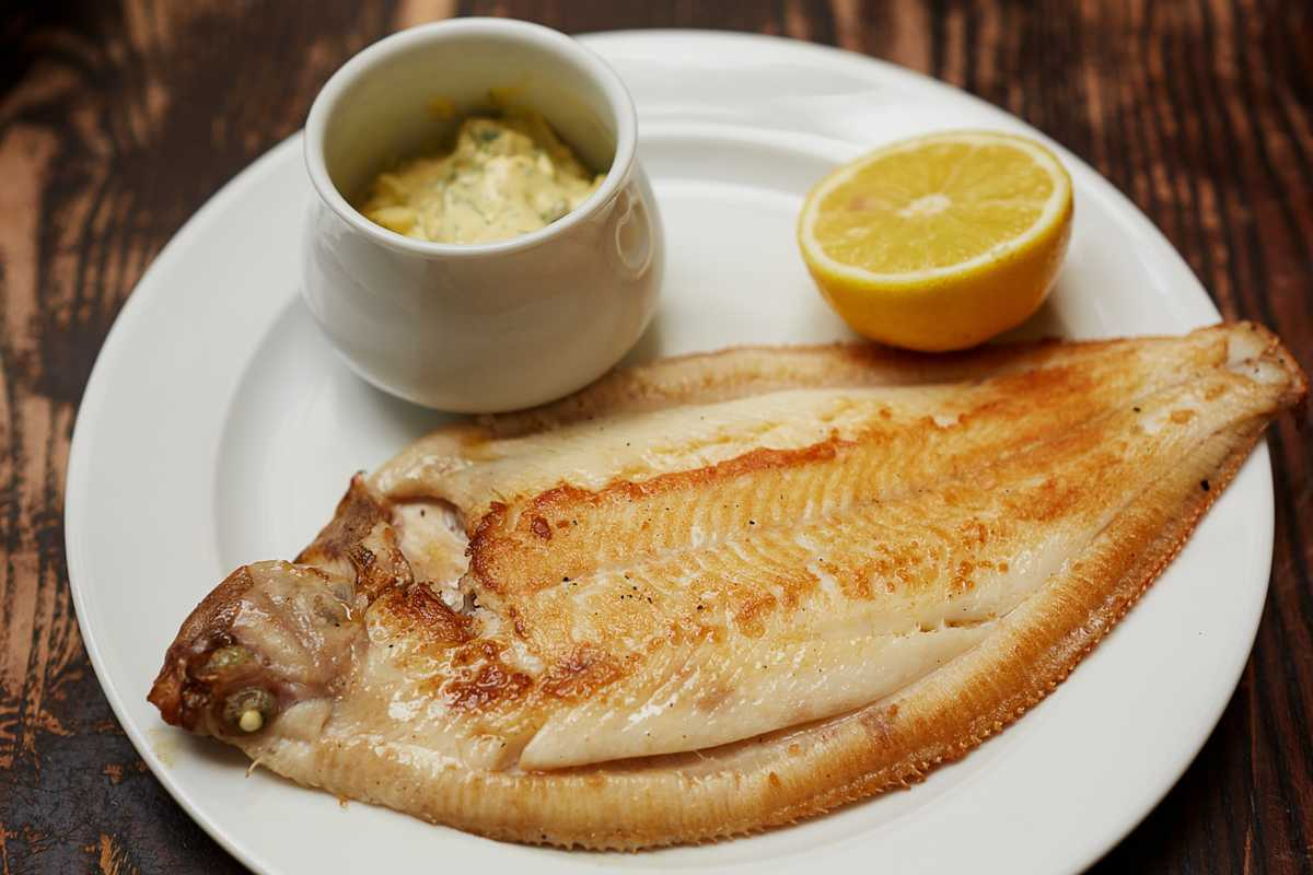 Lemon sole and aioli sauce