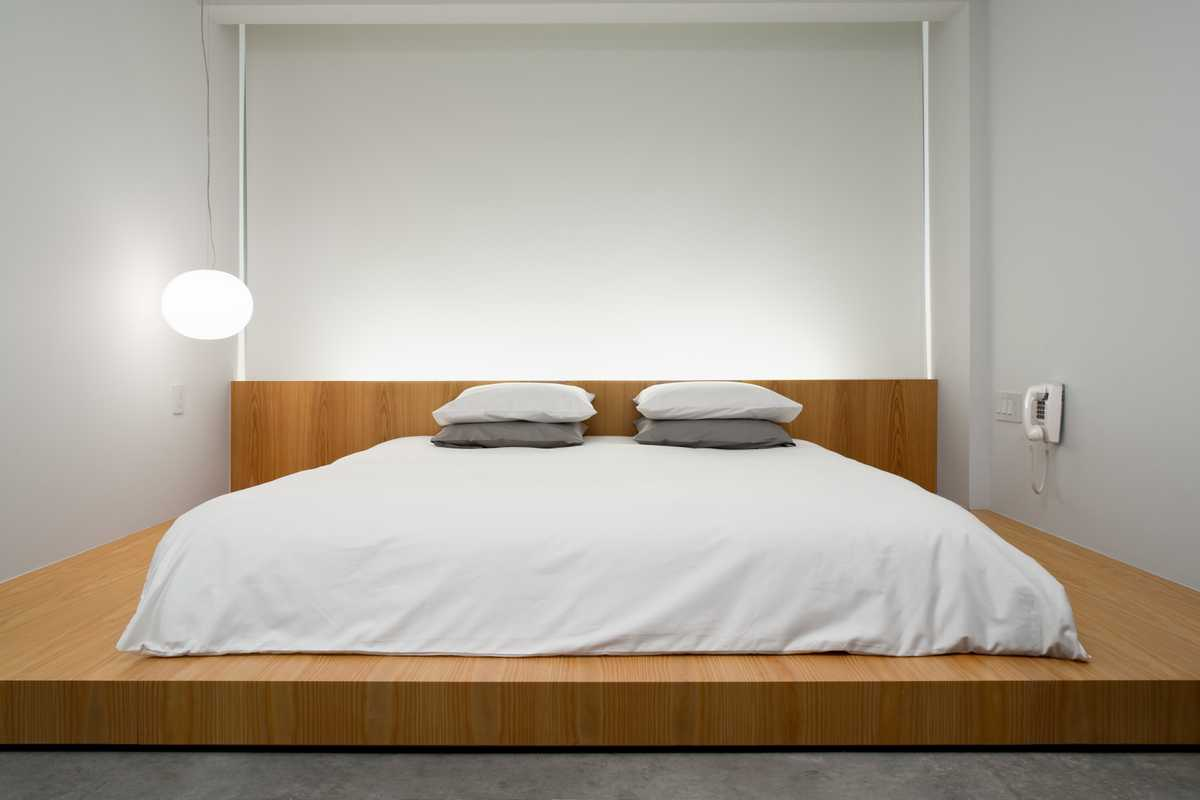 Each room has a Japanese-style platform bed