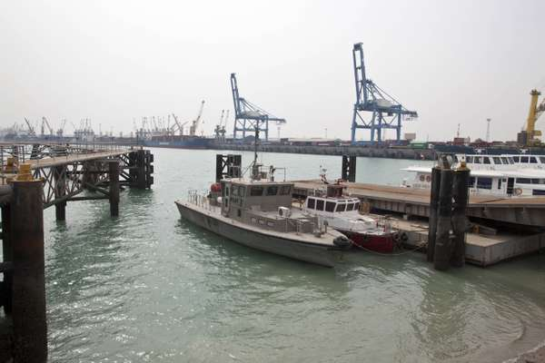 Um Qasr Port, Iraq's only deep water port