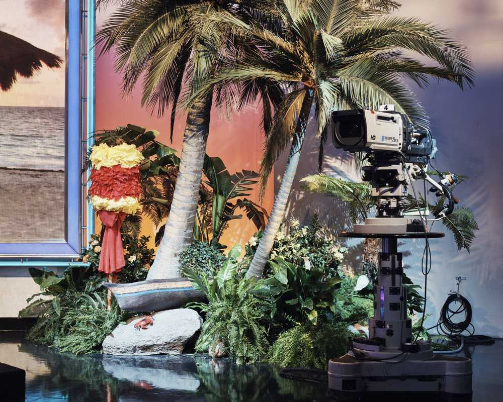 Hawaii-themed set at 'Wheel of Fortune'