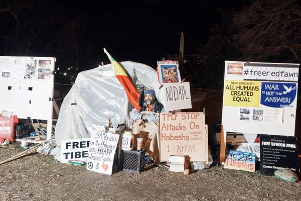 A protestor and his camp near the White House