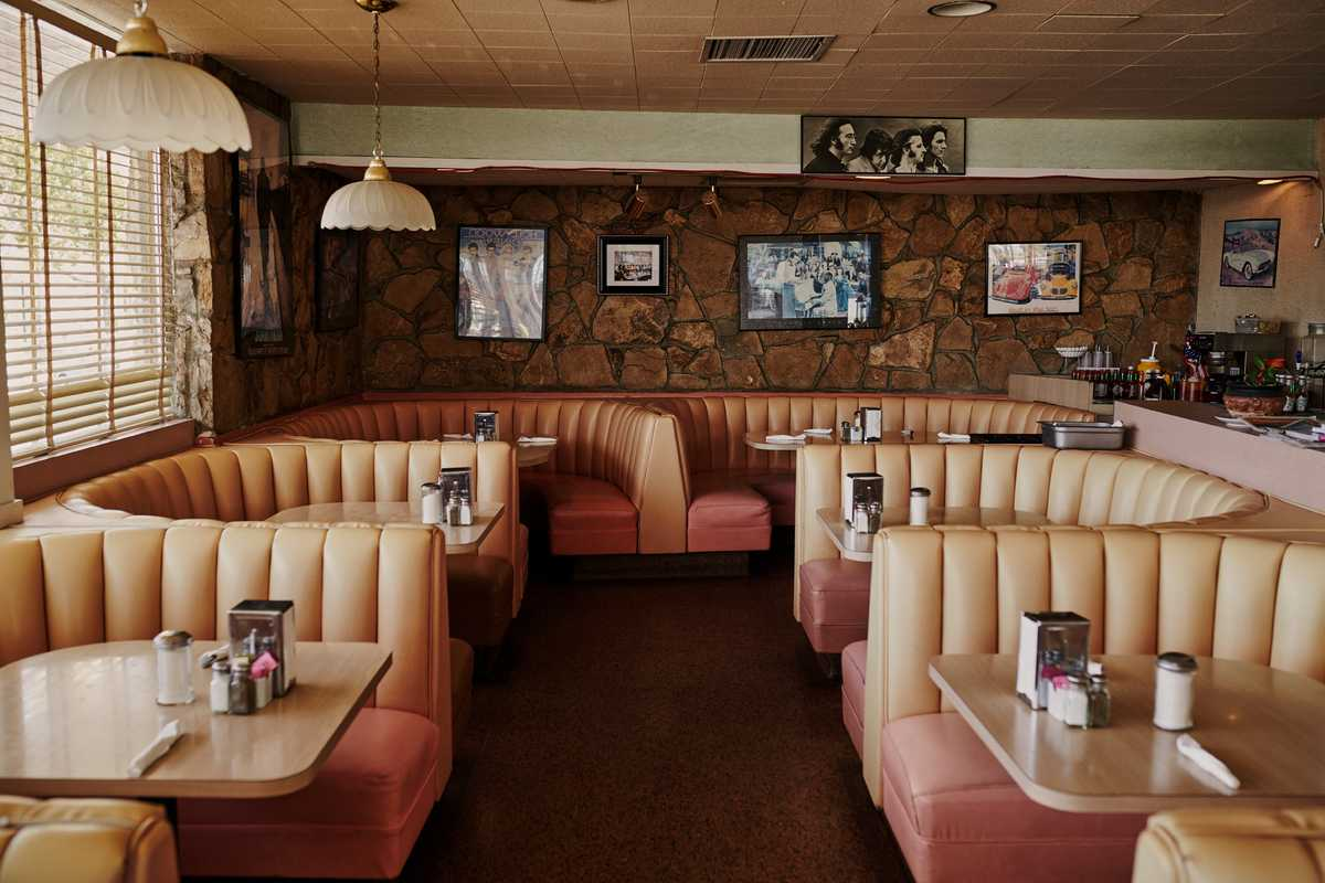 Chips diner features retro interiors