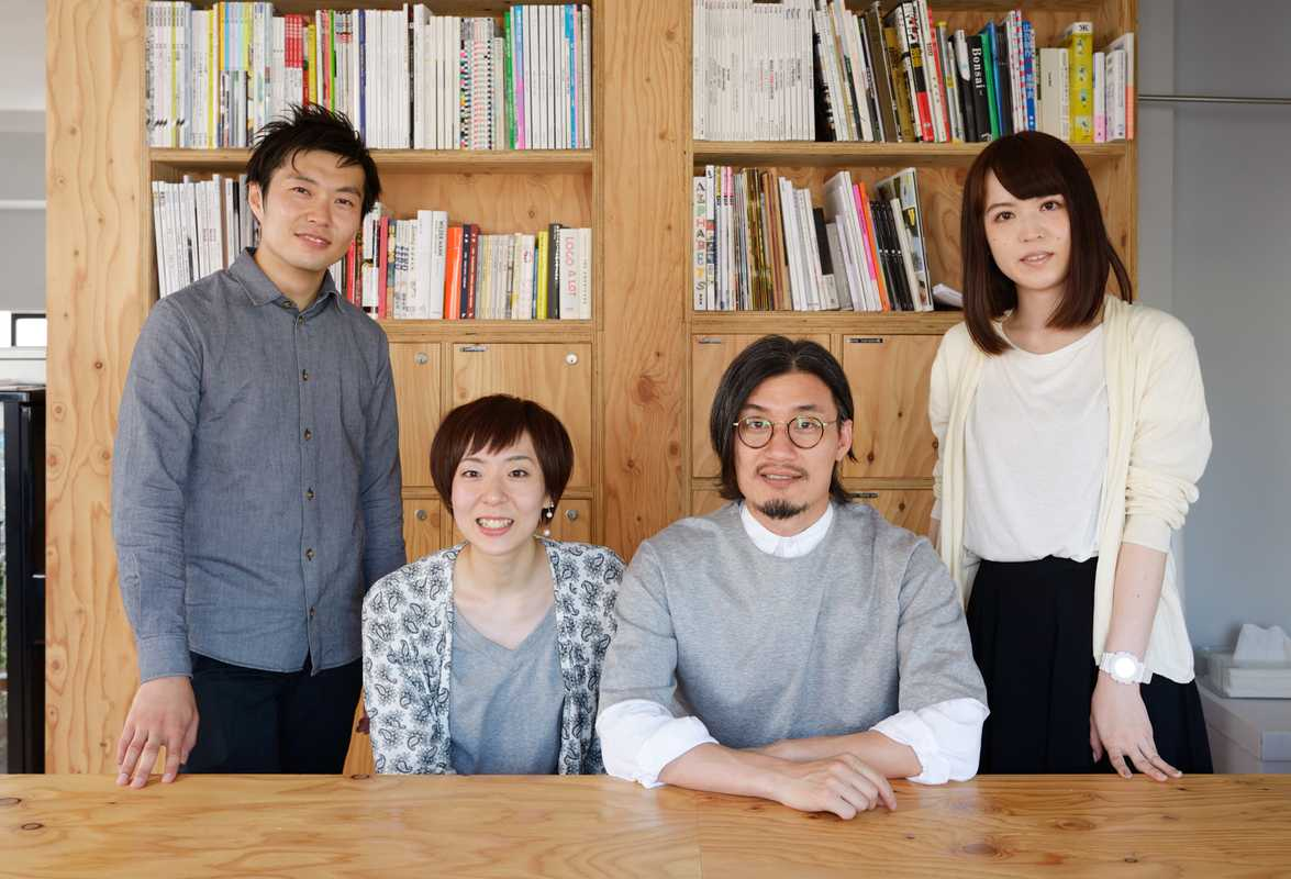 Team 'Hashiruhito' in their office
