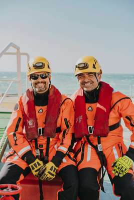 Rescue divers Iván and Sergio