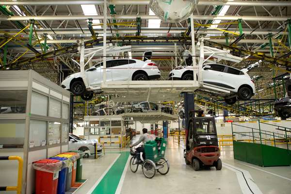 Cars on the production line at Renault-Oyak