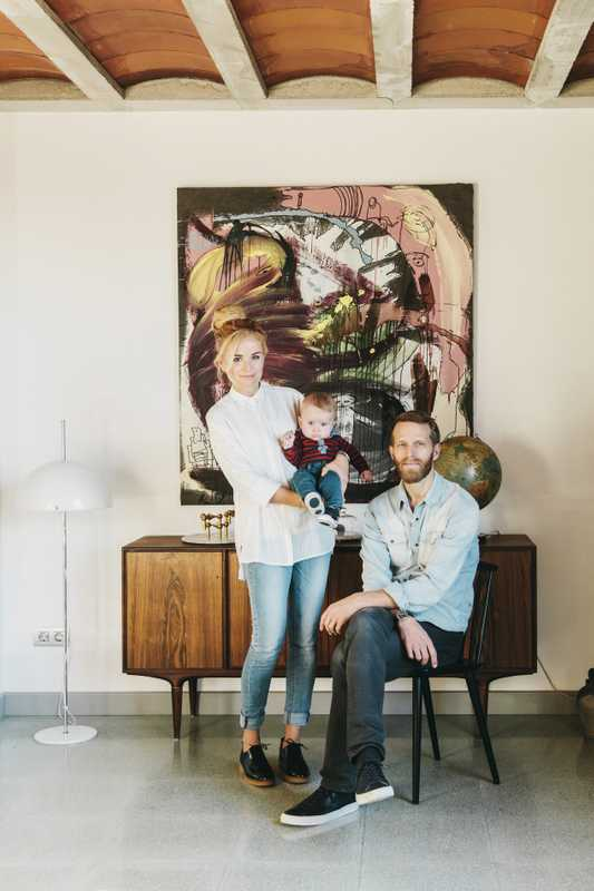 Sara Salas, Martin Noaksson and their son Olof at home