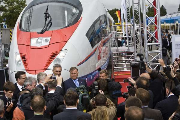 Presentation of the Russian high-speed Siemens train