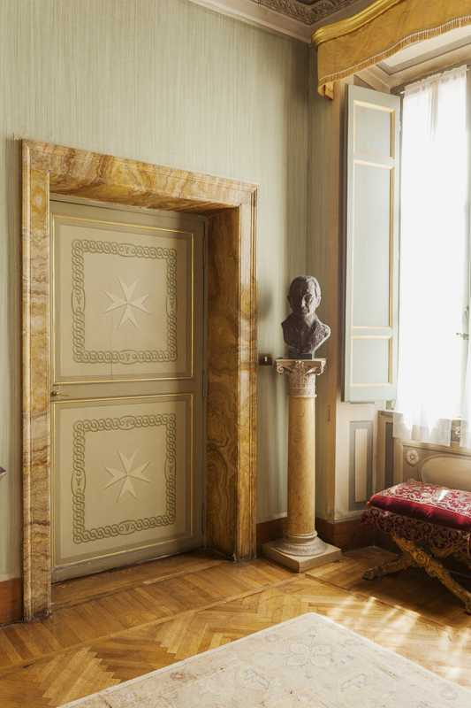 The Maltese cross makes its presence known in a state room