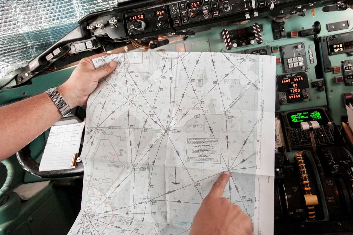 Checking flight pathways towards Mogadishu