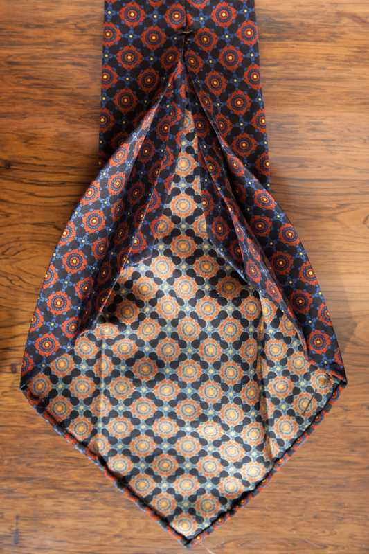 Seven-fold silk tie by Petronius
