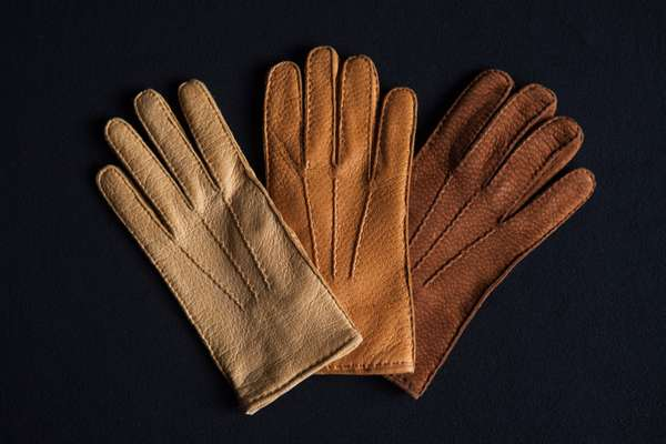 Restelli gloves in peccary leather