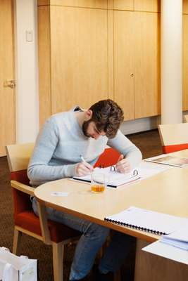 Dutch diplomat Job van Thiel studying his Spanish programme