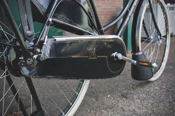 Gazelle invented the closed chain case