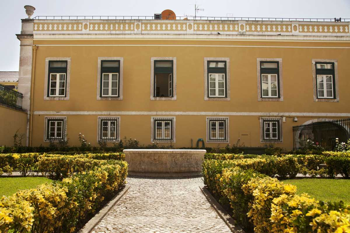 The Palácio Conde de Penafiel once belonged to a prince