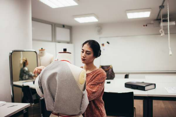 Student tailoring at LAU