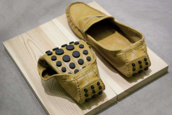 Folding driving slippers from La Portegna