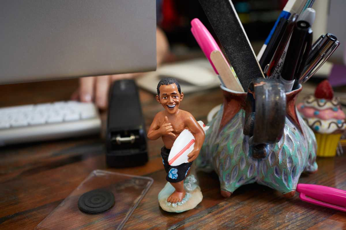 Obama ready to hit the surf –  on Joy's desk