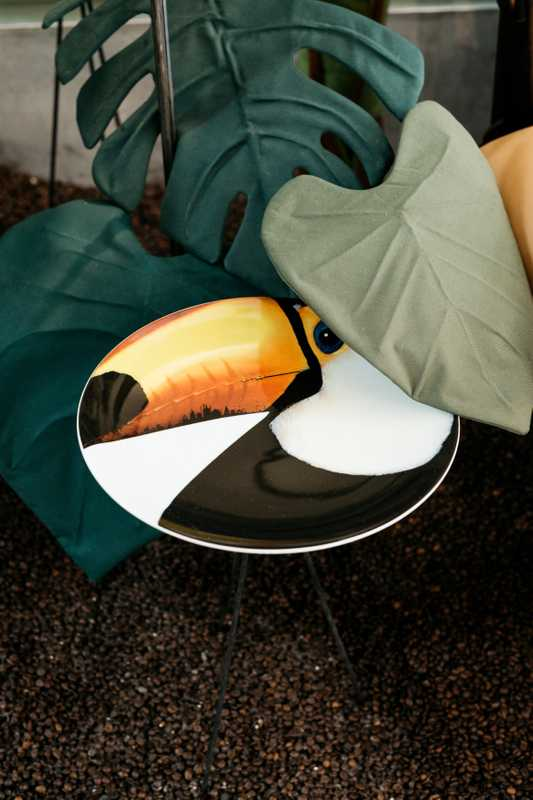 Toucan table