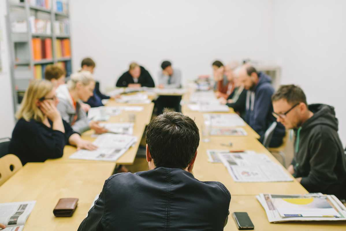 In-house editorial review in the 'Falter' conference room