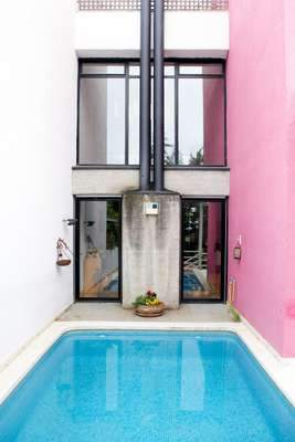 Pools are common in Madrid apartments