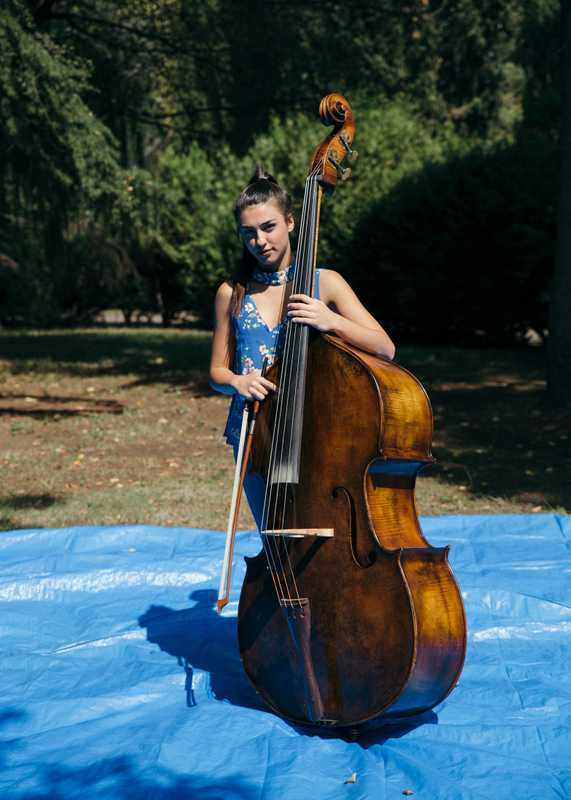 Turkish double bassist Gokçe Kucukarslan