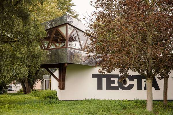 Tecta's modernist office