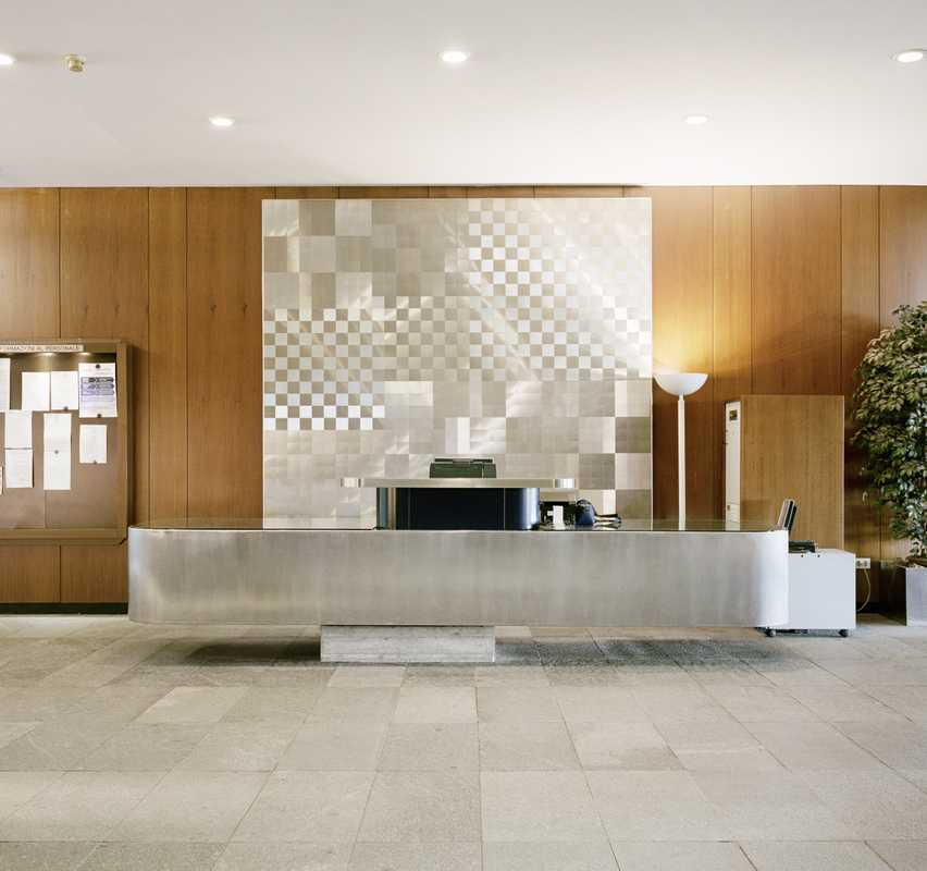 Reception desk at the Torre Nord entrance