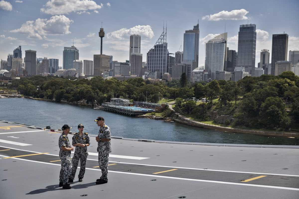Sydney as seen from the flight deck