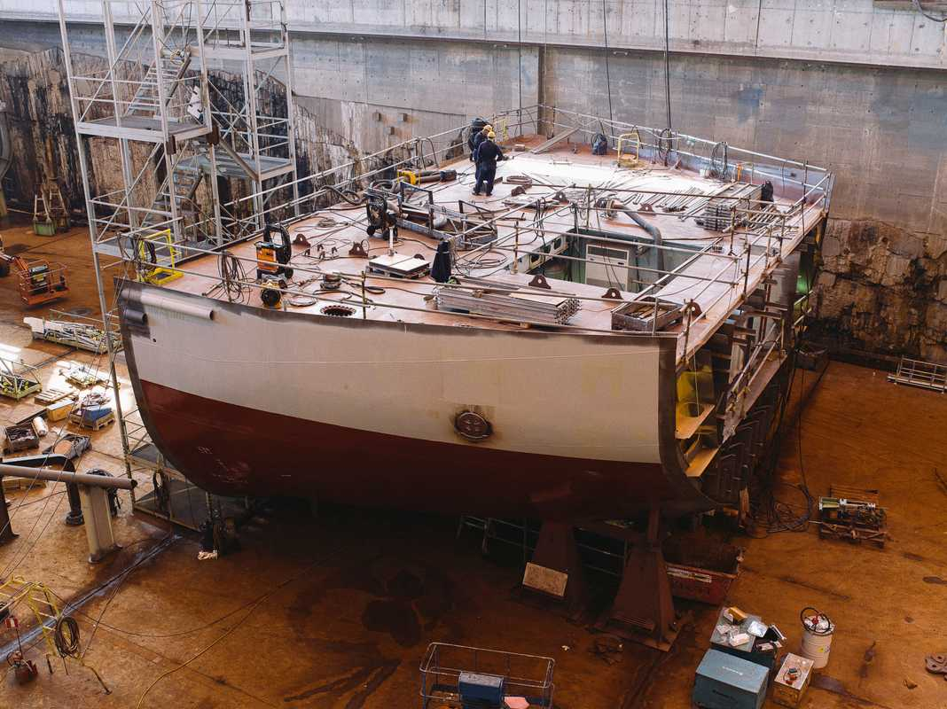 Building an icebreaking vessel for the Russian Ministry of Transport