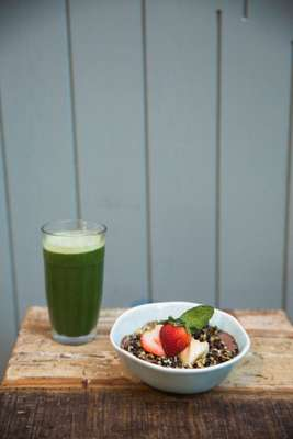 Smoothie and bowl of granola at Grassroots
