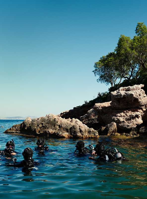 Scuba-diving lesson in Varkiza bay